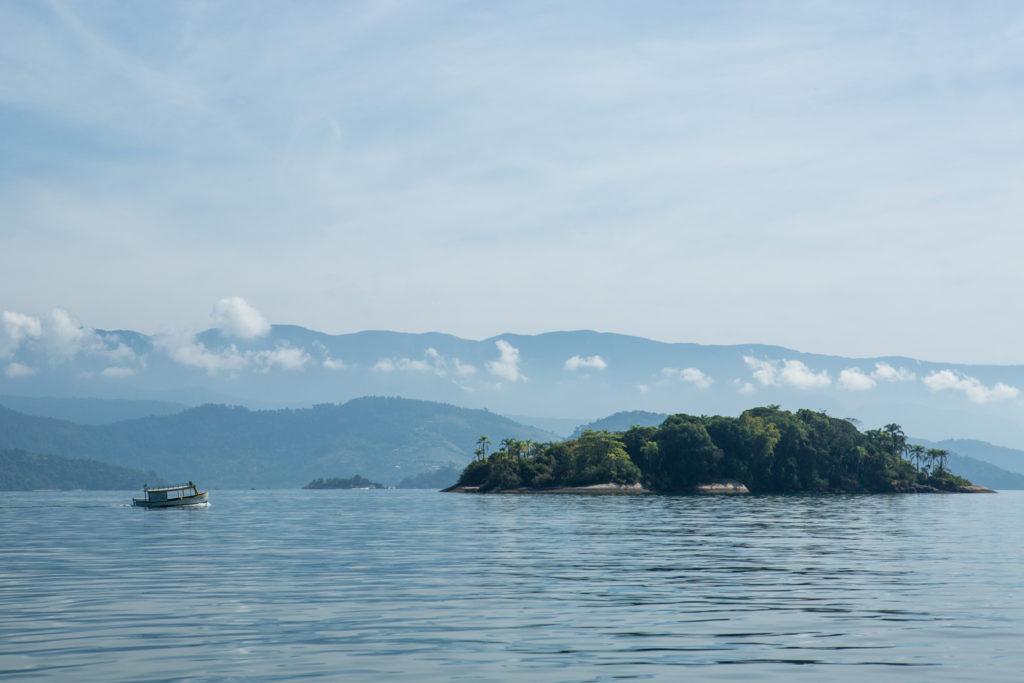 Passeio de lancha em Paraty - Ilha da bexiga