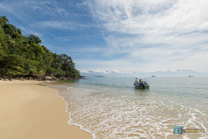 Passeio de lancha em Paraty - praia da lula