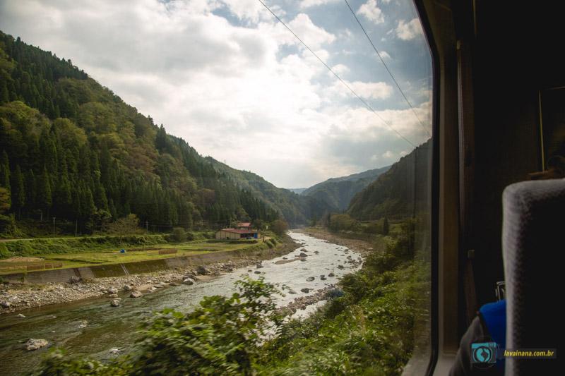 Trem para Takayama
